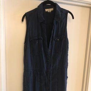 sleeveless navy dress with pockets
